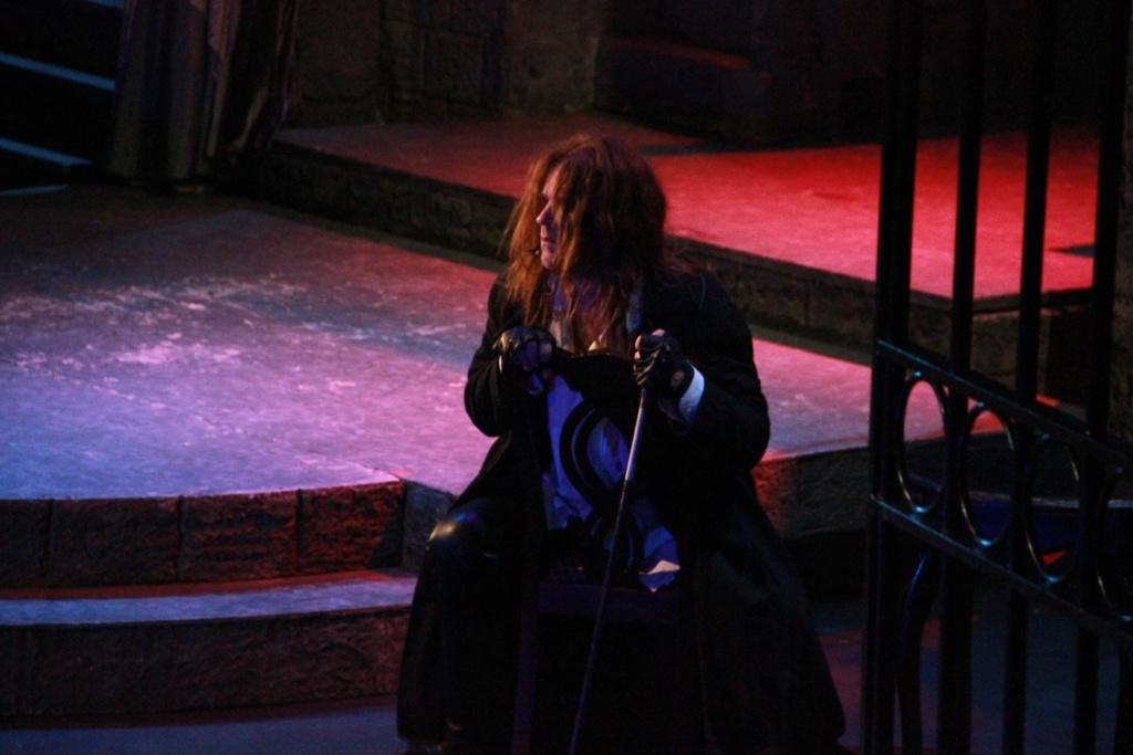 Валерий Анохин в спектакле
